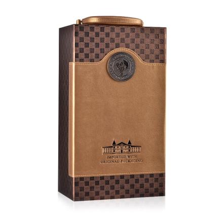 土豪金双支皮盒(含四件酒具)